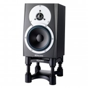 dynaudio-bm-compact-mk3-on-stand